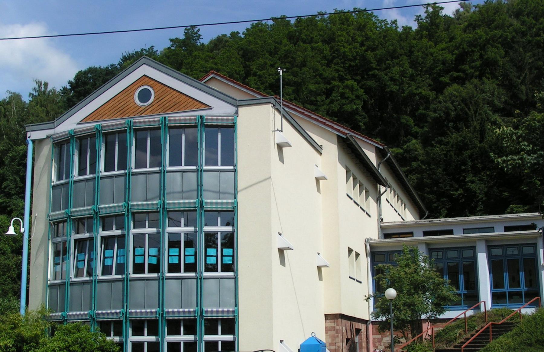 Außenansicht der Kreuzbergschule