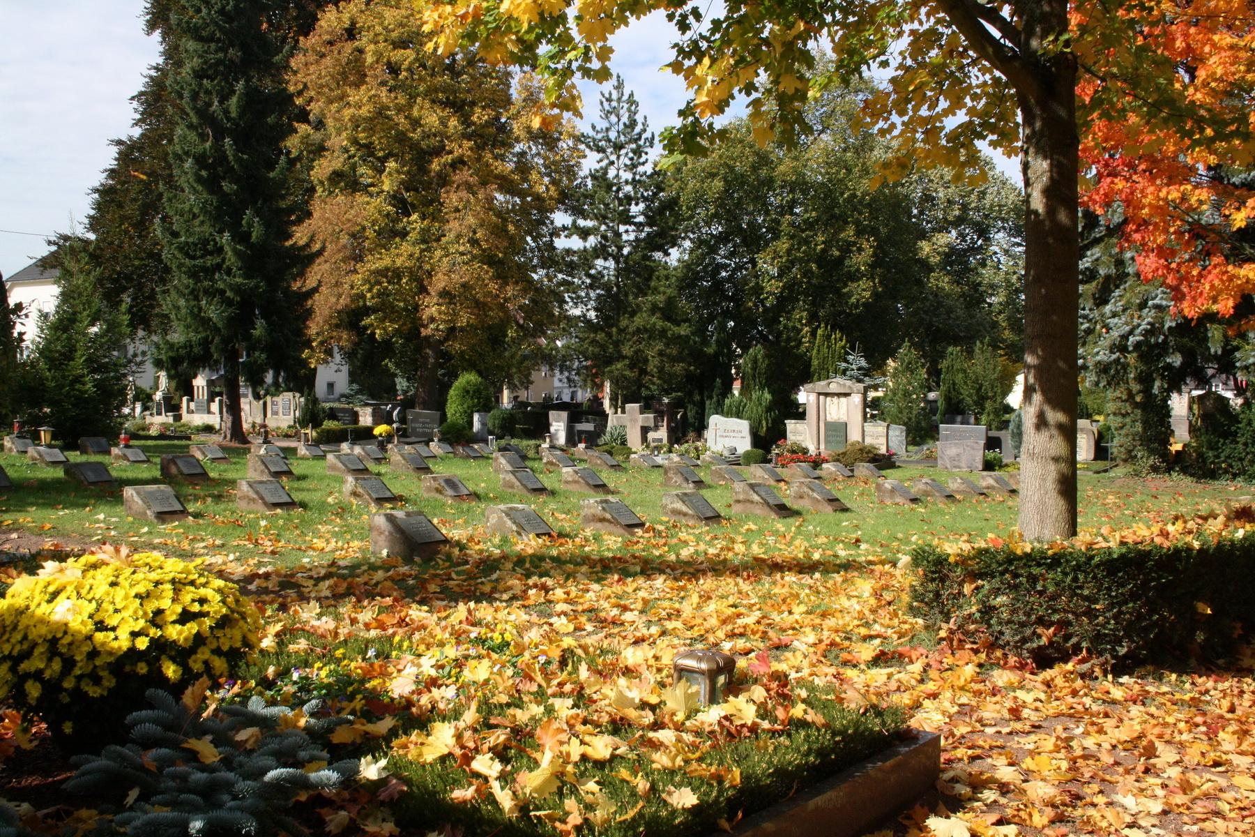 Grabstätten auf dem Propsteifriedhof in Merzig