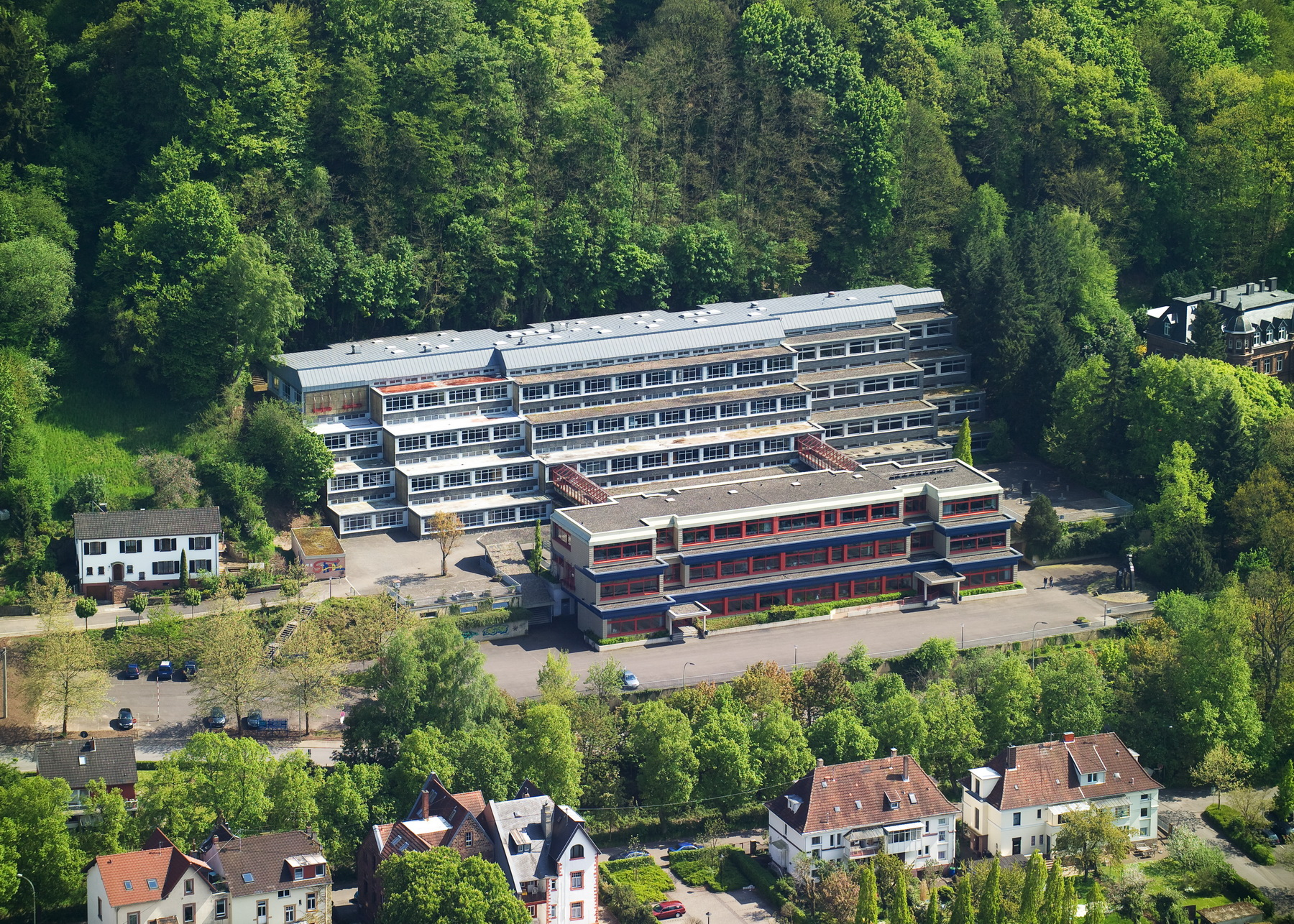 Luftansicht der Christian-Kretzschmar-Schule in Merzig