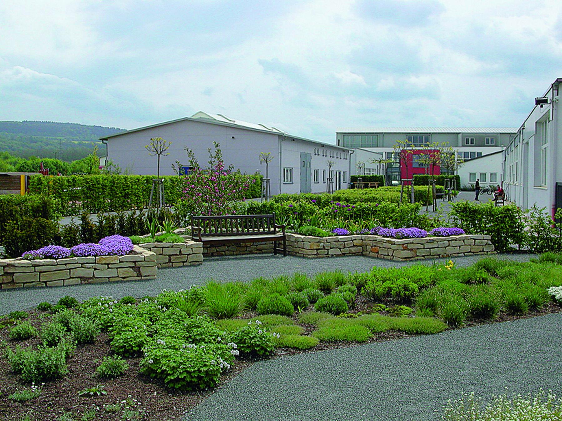 Garten der CEB-Akademie