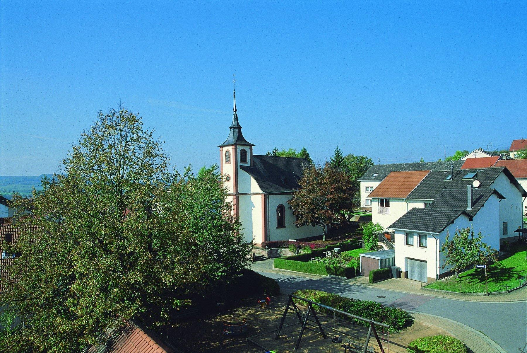 Das Bild zeigt die Kapelle Harlingen von außen.