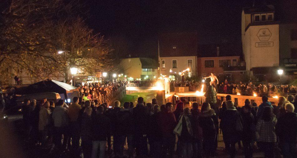 Mondscheinmarkt_Feuershow_Seffersbach