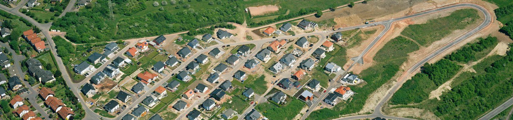 Auf dem Bild ist eine Luftaufnahme des Baugebietes Gipsberg zu sehen.