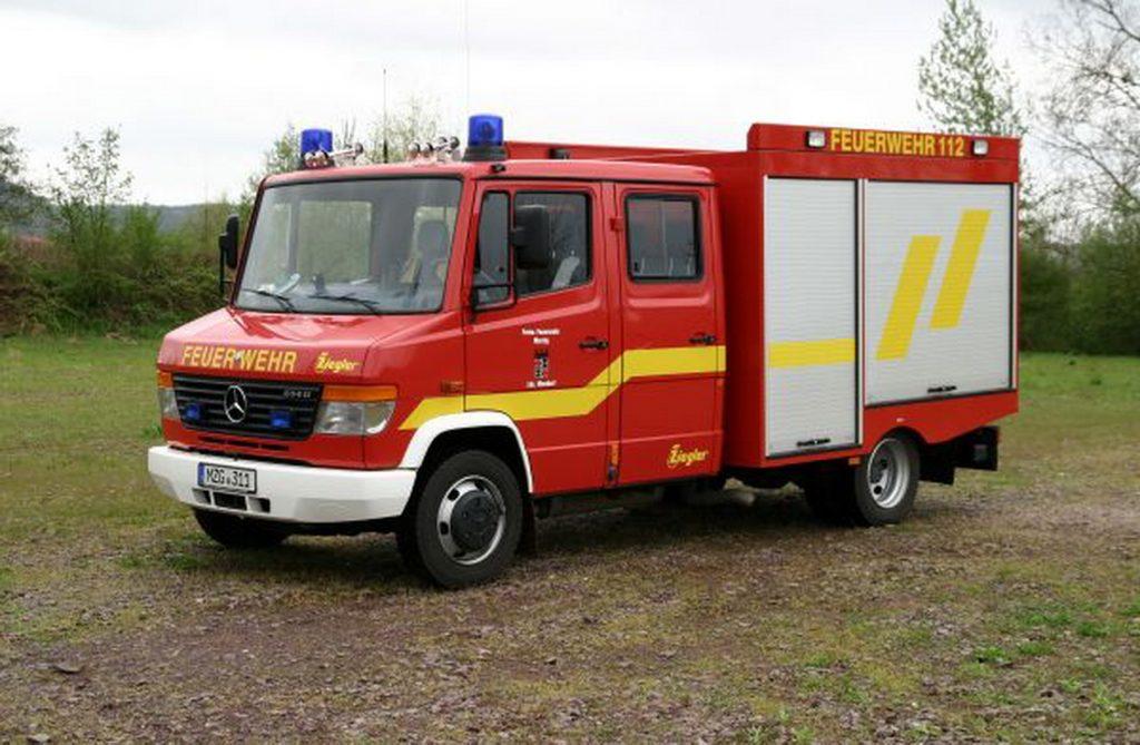 Das Foto zeigt das Tragkraftspritzenfahrzeug für Wasser des Löschbezirks Mondorf.