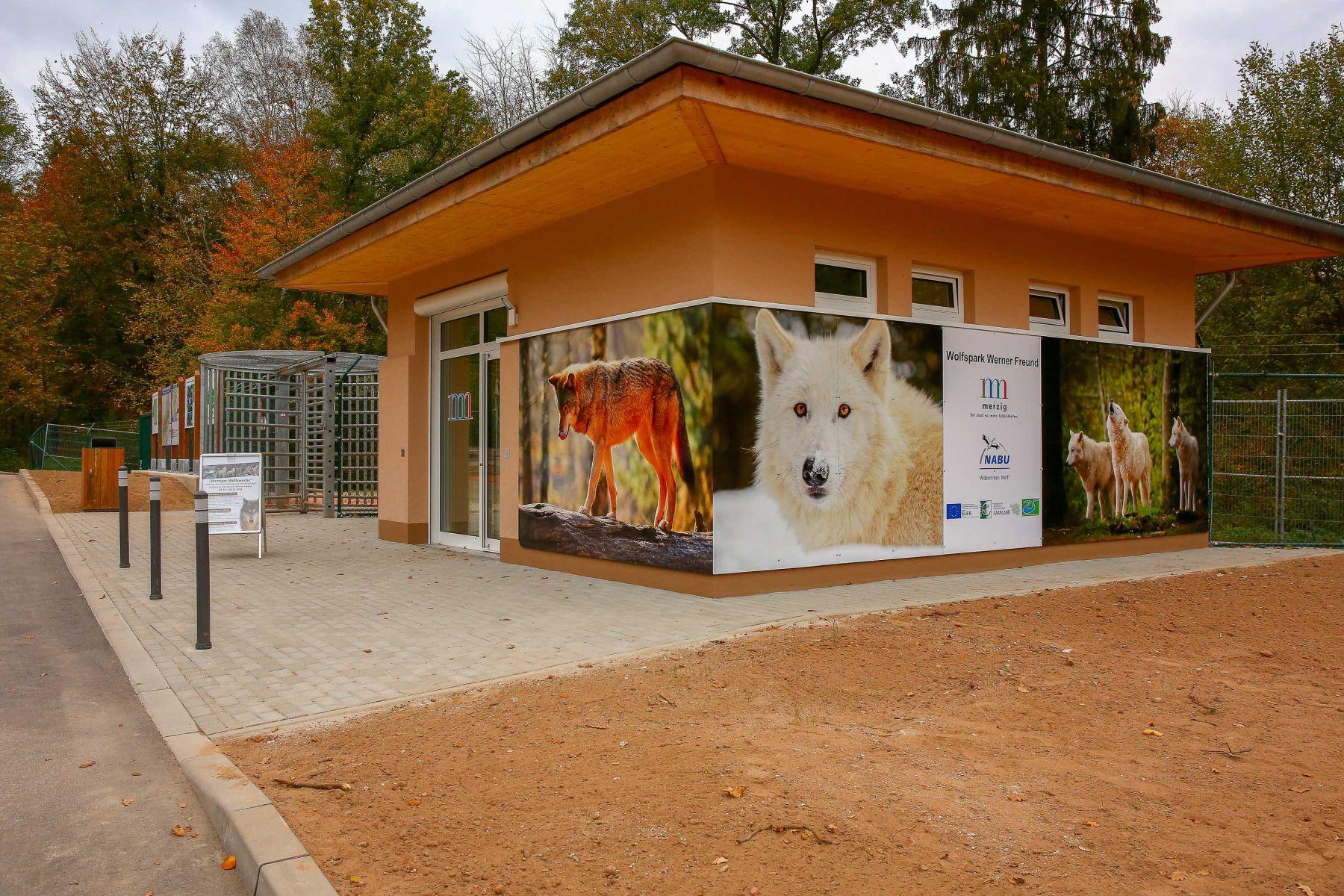 Informationsgebäude beim Wolfspark