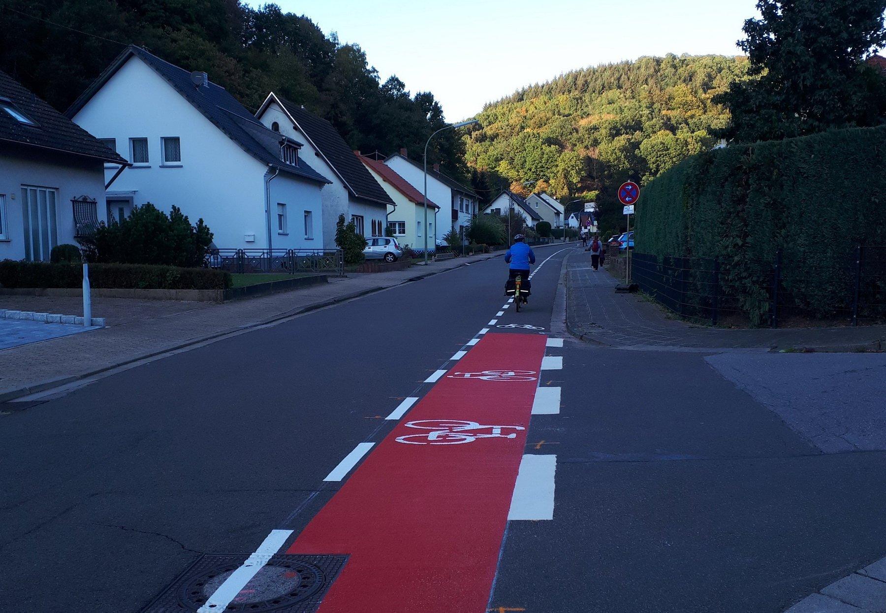 Radwegenetz Schutzstreifen Waldstraße