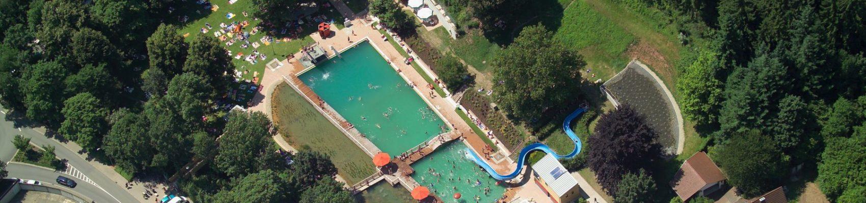 Luftaufnahme des Naturbads Heilborn