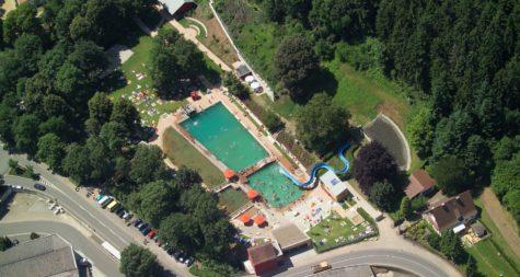 Kreisstadt Merzig: Naturbad Heilborn - Bain de nature