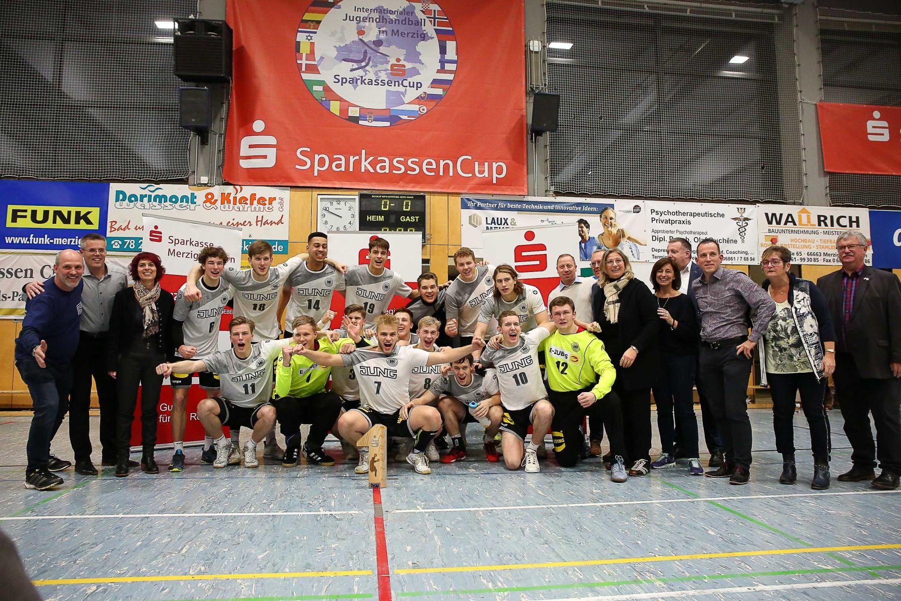 Siegerbild der deutschen Nationalmannschaft beim 32. Sparkassen-Cup in Merzig