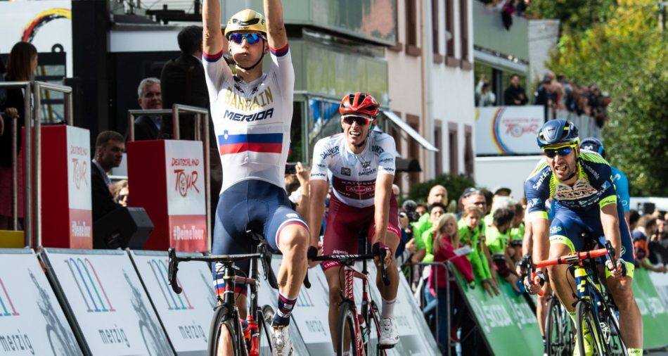 Zieldurchfahrt des Etappensiegers Matej Mohoric