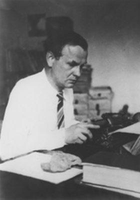 Das Bild zeigt Gustav Regler um 1943 in Coyoacan, Mexico.