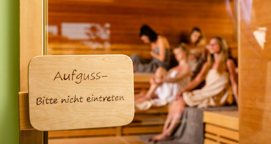 Aufguss in der BAD-Sauna