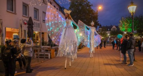 """Pressemeldung:  Lange Einkaufsnacht und ansprechendes Rahmenprogramm sorgten für eine volle Fußgängerzone beim """"Merziger Mondschein-Shopping"""""""